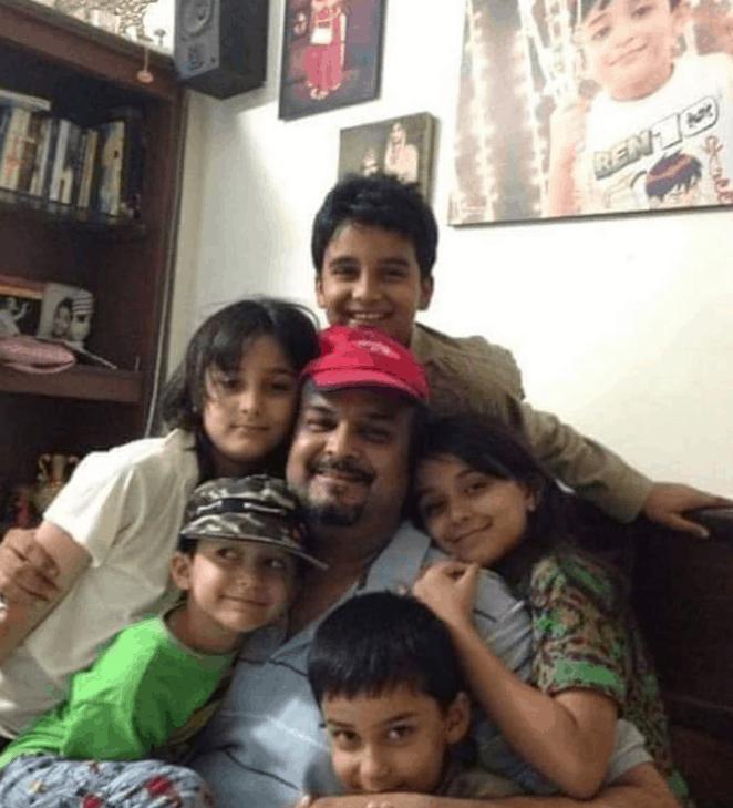 Hoorain Amjad Sabri Biography