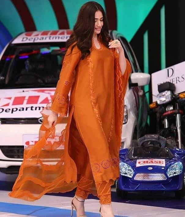 sana javed dresses jeeto pakistan 2021