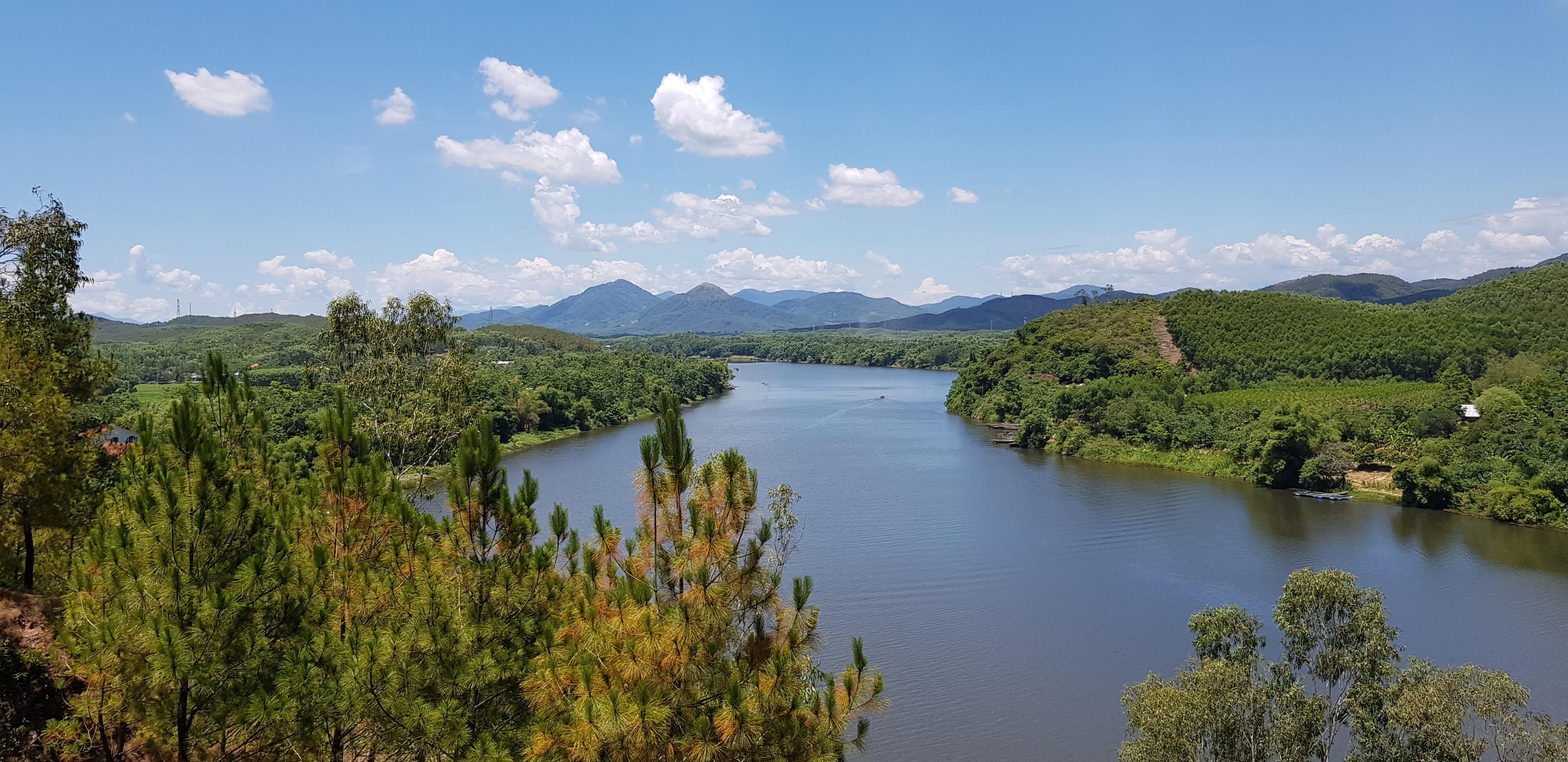 Hue to Da Nang: Perfume River