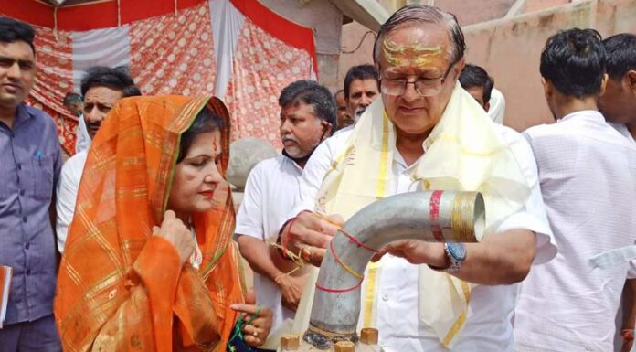 Water Resources Minister Dr. B. D. Kalla inaugurated the newly constructed tube well at Rangolai Mahadev Temple