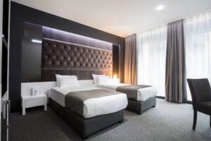 habitación de un hotel lujoso