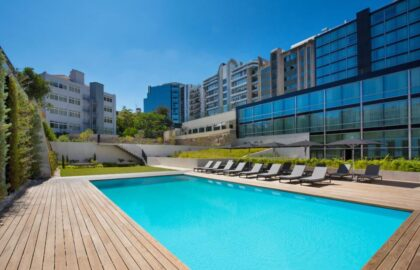 hoteles_con_piscina_byhours