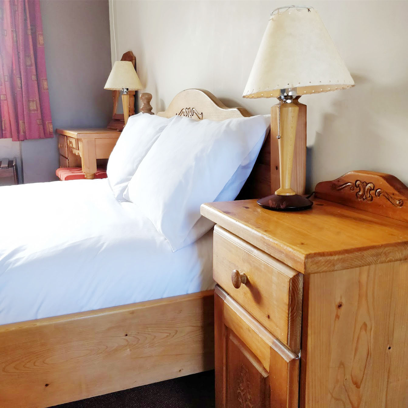 one of our Doubles guest bedrooms in Aras