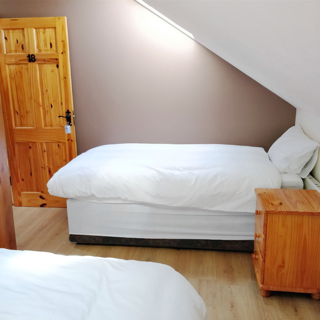 A room consisting of 2 single beds. Can be turned into a Double if desired.