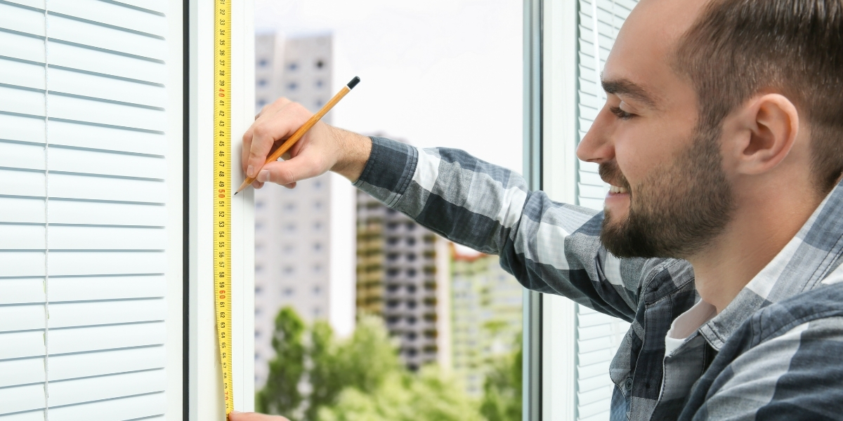 Measuring & Fitting Blinds