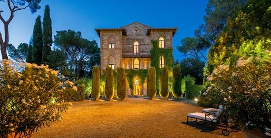 villa-siena-tuscany-italy-luxury-swimming-parco-del-principe-cov_homepage