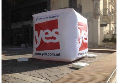 Inflatable Cube 2m x 2m