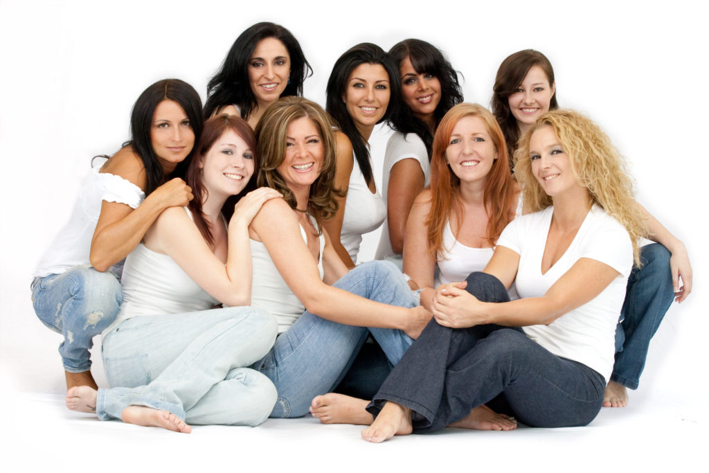 group women relaxed lge