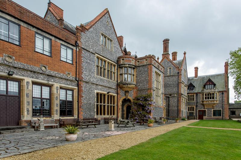 interior designer Oxfordshire, stylist, Oxfordshire, Berkshire, Buckingham, home decor, period property, country homes, grand estates,