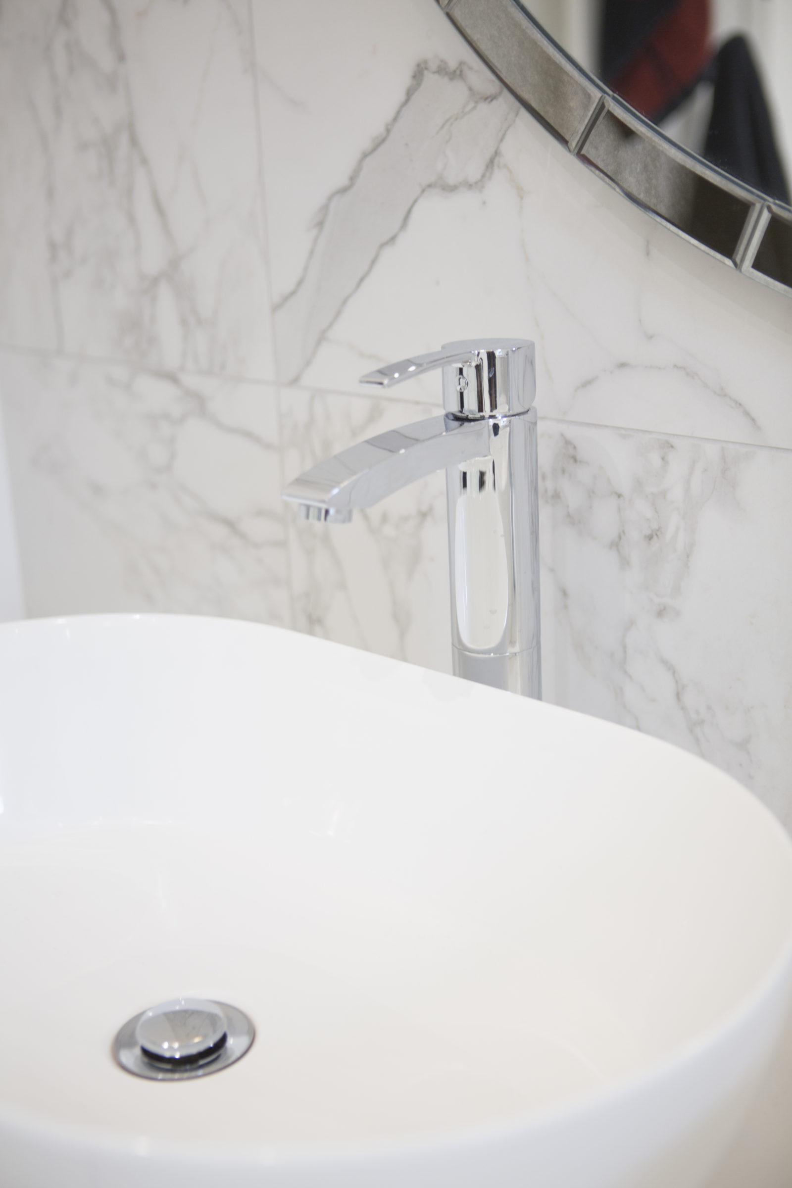 Bespoke fitted modern bathroom designs Berkshire, interior designer Oxfordshire, small bathroom interior design, master bathroom refurbishment, home decor, interior stylist, interior designer London, bespoke bathrooms Oxfordshire, bespoke fitted bathrooms Buckingham, bathro