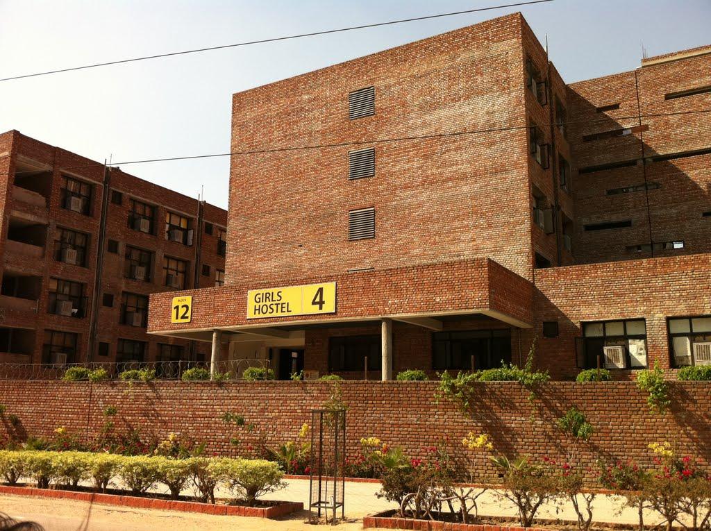 Quirks of LPU - boys girls hostel