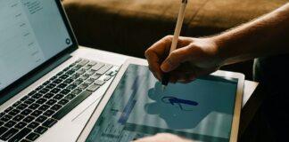 MOOCs for Design Students
