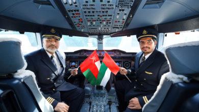 Photo of طيران الإمارات تشغل طائرتها A380 إلى مسقط