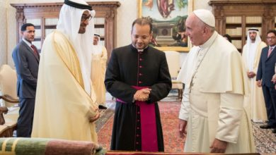 Photo of الإمارات ترحب بزيارة بابا الفاتيكان خلال فبراير المقبل