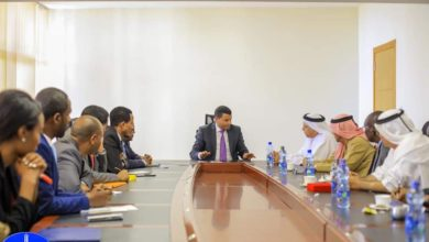 Photo of وفد هيئة آل مكتوم الخيرية يبحث مع  عمدة اديس ابابا احتياجات التعليم بالمدينه