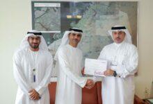 Photo of الإسعاف تكرم رائدا في شرطة دبي تقديرا لدعمه لخدماتها
