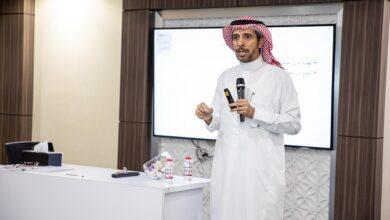 """Photo of """"حمدان التعليمية"""" تقدم كتابين حول الإرشاد النفسي والأكاديمي والمهني للطلبة الموهوبين"""