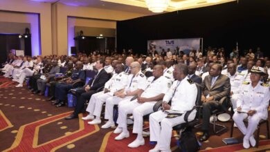 Photo of البحرية المصرية تشارك في المؤتمر والمعرض الدولي للدفاع البحري بغانا