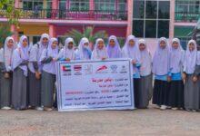 "Photo of بالتعاون مع ""دار البر"" حافلتين من ""طرق دبي"" تسهمان في مساعدة 1300 طالبة في الوصول لمدرستهن في تايلند"