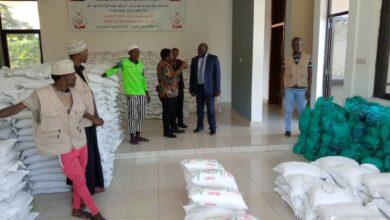 """Photo of """"خيرية آل مكتوم"""" توزع 20 طن أغذية على الفقراء في بوروندى"""