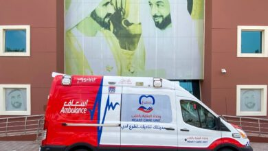 Photo of عائلة إماراتية تدعم خط الدفاع الأول بمركبة إسعافية كاملة التجهيزات