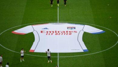 Photo of طيران الإمارات وأولمبيك ليون يكشفان النقاب عن القميص الرسمي