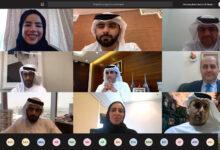 Photo of منصور بن محمد يطلع على مخرجات مشروع دبي للتميز الحكومي للتعلم من أفضل الممارسات لإدارة أزمة كورونا