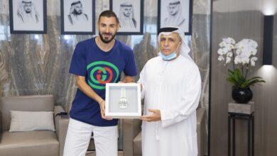 Photo of مجلس دبي الرياضي يمنح بنزيمة ميدالية أبطال خط الدفاع الأول