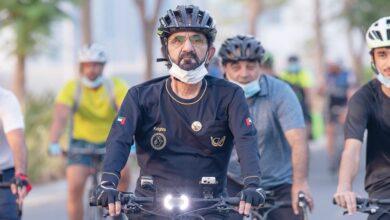 Photo of محمد بن راشد يتجول بدراجة هوائية في دبي