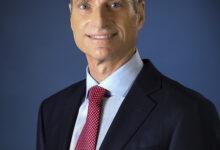 Photo of جيمس تايكليت الرئيس وكبير الإداريين التنفيذيين في شركة لوكهيد مارتن يشارك في فعاليات القمة العالمية لصناعة الطيران