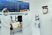 Photo of بلدية دبي تكرم موظفاً رفض رشوة بقيمة 250 الف درهم