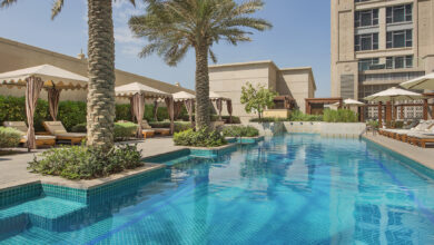Photo of فندق هيلتون دبي، الحبتور سيتي يرحّب بضيوفه من جديد مع عروض متميّزة وأطباق شهية وترفيه على مستوى عالمي