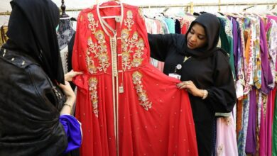 "Photo of 88 أسرة إماراتية تُسوّق منتجاتها في جناح ""الصنعة 12"" بالقرية العالمية"