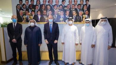 "Photo of منصور بن محمد يبحث مع رئيس ""الفيفا"" التعاون المشترك و جهود تطوير الكرة العالمية"