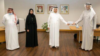 """Photo of """"آل مكتوم الخيرية"""" تقدم دعما ماليا لصندوق الطلبة بكليات التقنية العليا"""