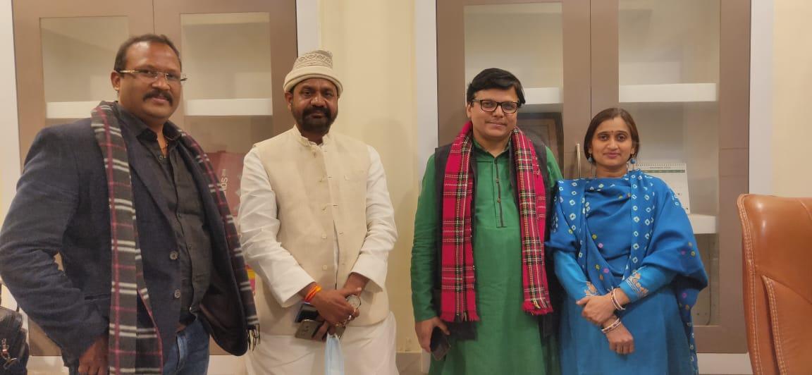 Dayashankar Mishra with the Clean Media Today team