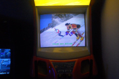 VIDEO ARCADE GAME ALPINE RACER COSTA RICA