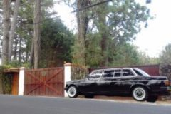 MERCEDES 300D LIMO OUTSIDE COUNTRY ESTATE COSTA RICA.