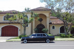 CLASSIC LIMOUSINE AND LARGE MANSION COSTA RICA