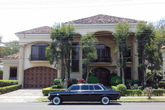 LARGE-MANSION-AND-LIMO-COST-RICA