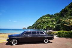 BEACH COSTA RICA. LIMOUSINE 300D MERCEDES COSTAL ADVENTURES