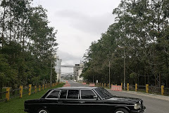 Holcim (Costa Rica) S.A.  WITH A MERCEDES LIMOUSINE W123