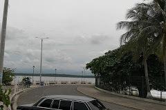 PUNTARENAS COSTA RICA Paseo de los Turistas. MERCEDES 300D W123 LIMOUSINE