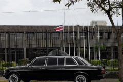 Presidential-Palace-of-the-Republic-of-Costa-Rica.-MERCEDES-300D-LIMOUSINE-SERVICE