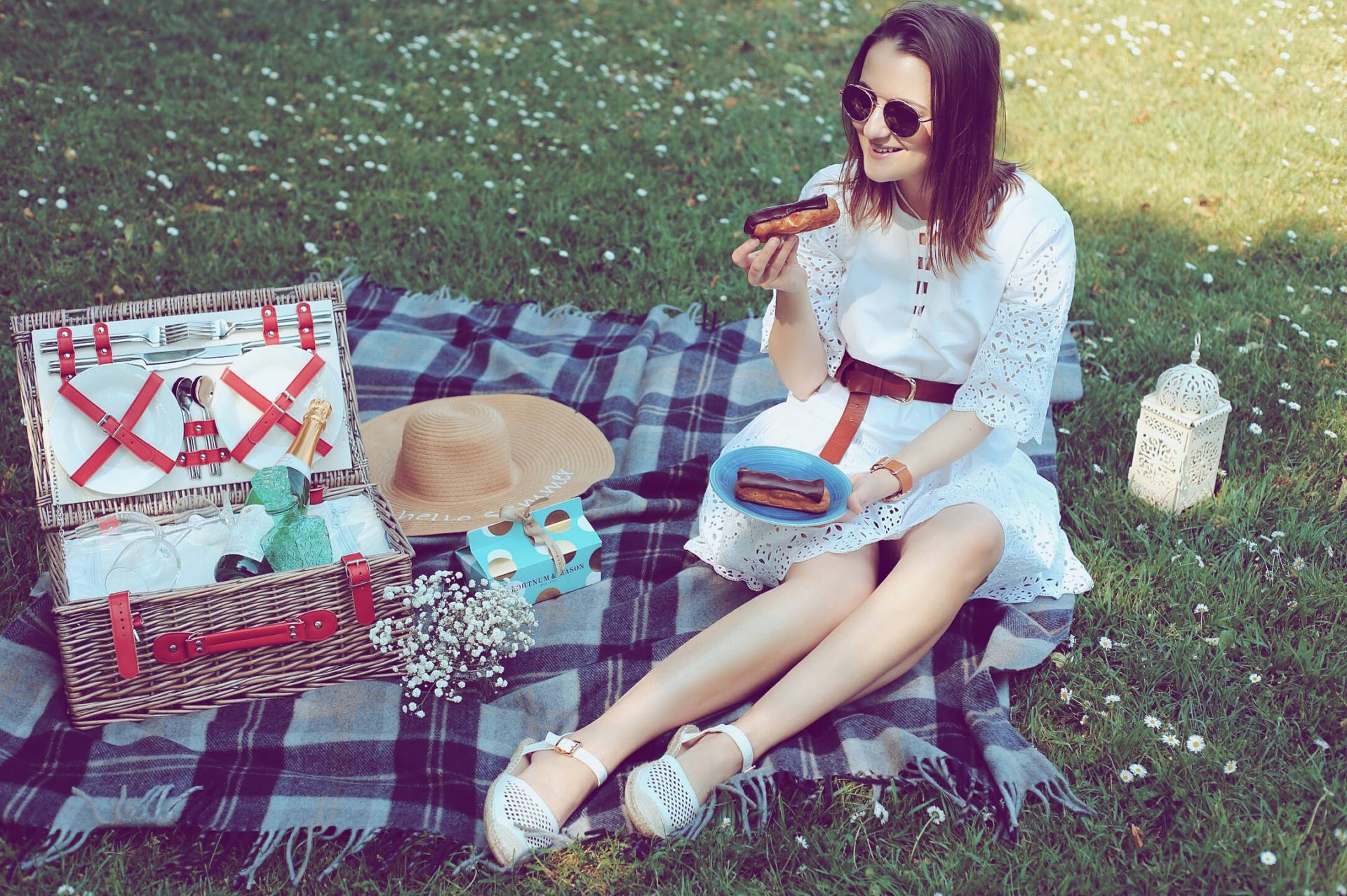 Pack and go: picnic with the family