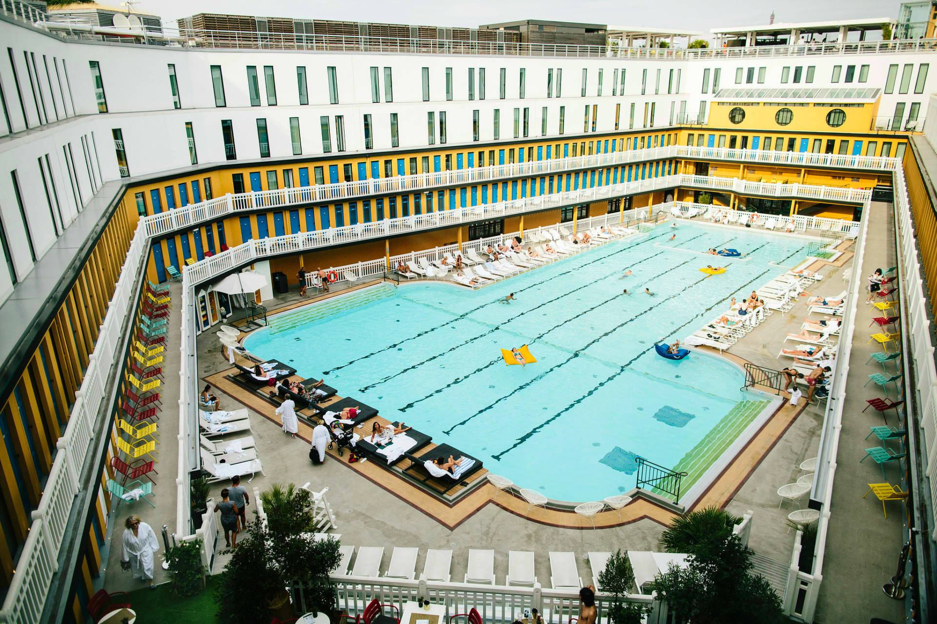 the-best-outdoor-pool-in-paris-pia-rossini-giveaway-2