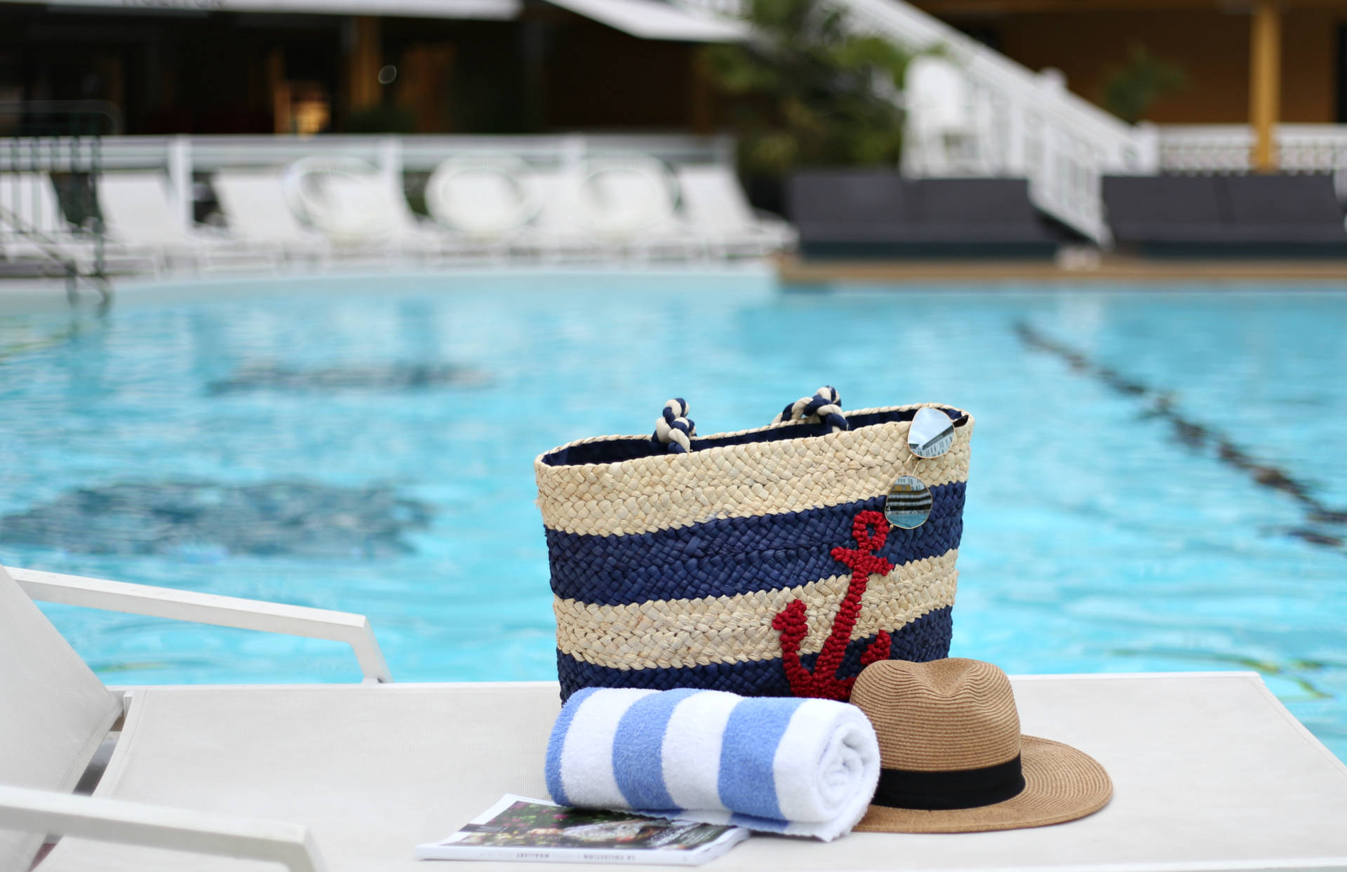 the-best-outdoor-pool-in-paris-pia-rossini-giveaway-7