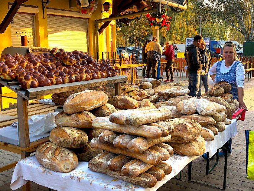 Fonyódi piac házi kenyér