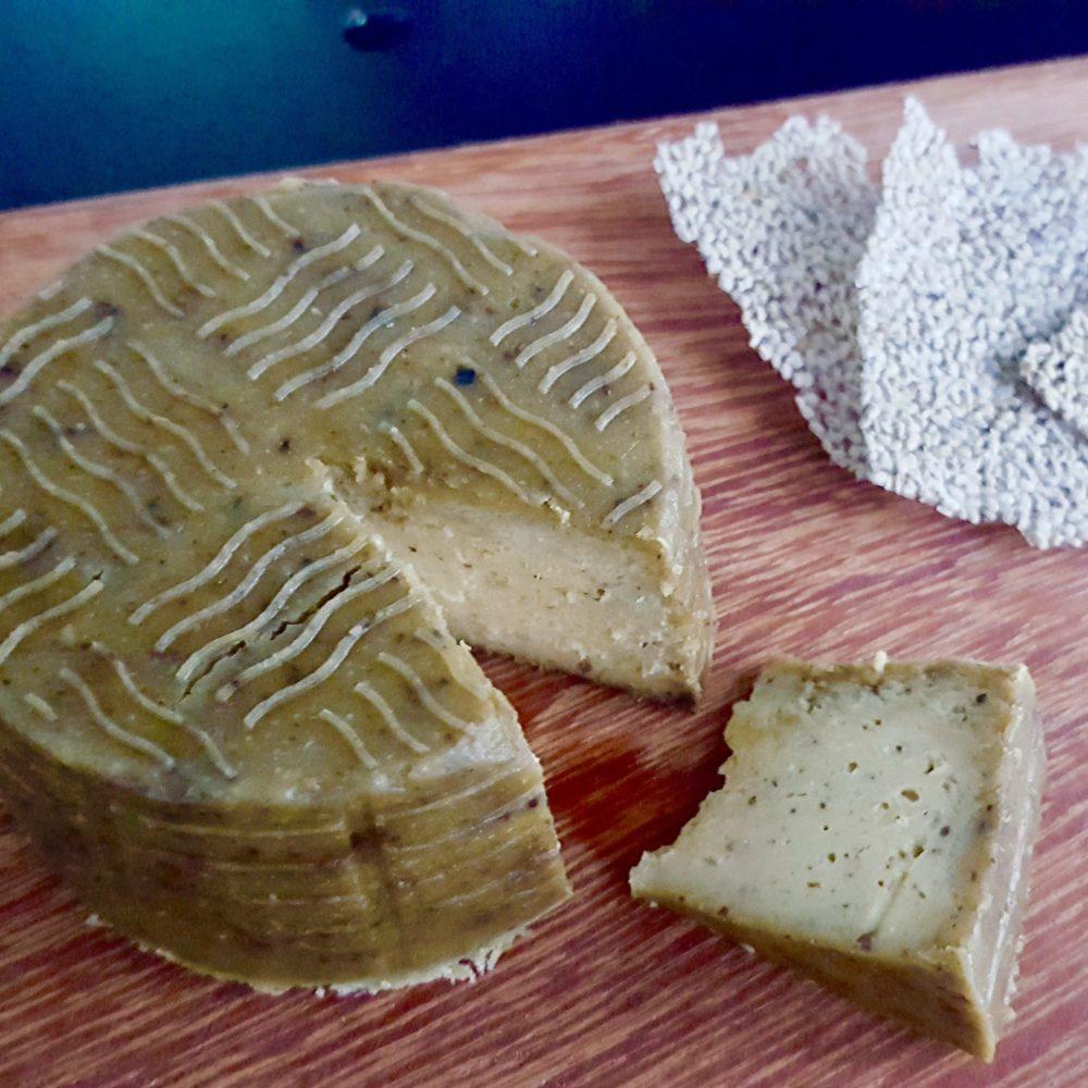 Truffi Kroodi Cashew Cheese Board