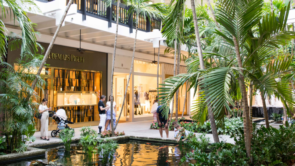 Rosie Andre. Travel Blog. Bal Harbour Shops, Miami. USA. (Miami, Florida, wanderlust, travel, explore, globe, world, earth)